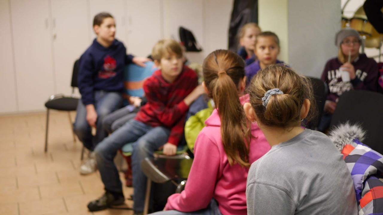 Schlittschuhlaufen im Jugendraum (4)